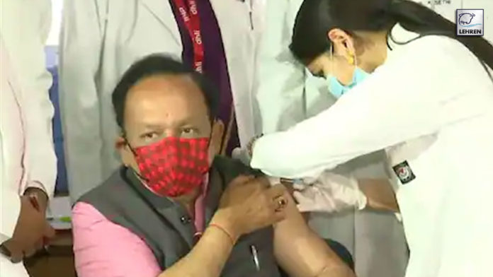 Health minister Harsh Vardhan and his wife got the first dose of covid-19 vaccine