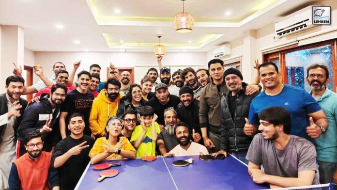 Aamir Khan enjoys table tennis tournament