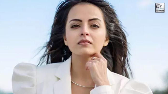 Shrenu-Parikh-As-Genda,-The-Lead-Protagonist-In-'Ghar-Ek-Mandir---Kripa-Agrasen-Maharaja-Ki'!