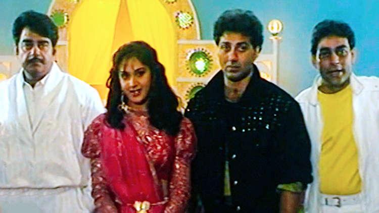 Sunny Deol And Raveena Tandon At The Mahurat Of Yeh Dil Hai Tumhara Song