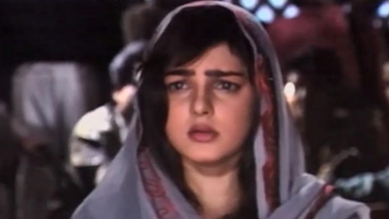 From The Sets Of Sanjay Kapoor And Mamta Kulkarni's Film 'Beqabu' (1996)