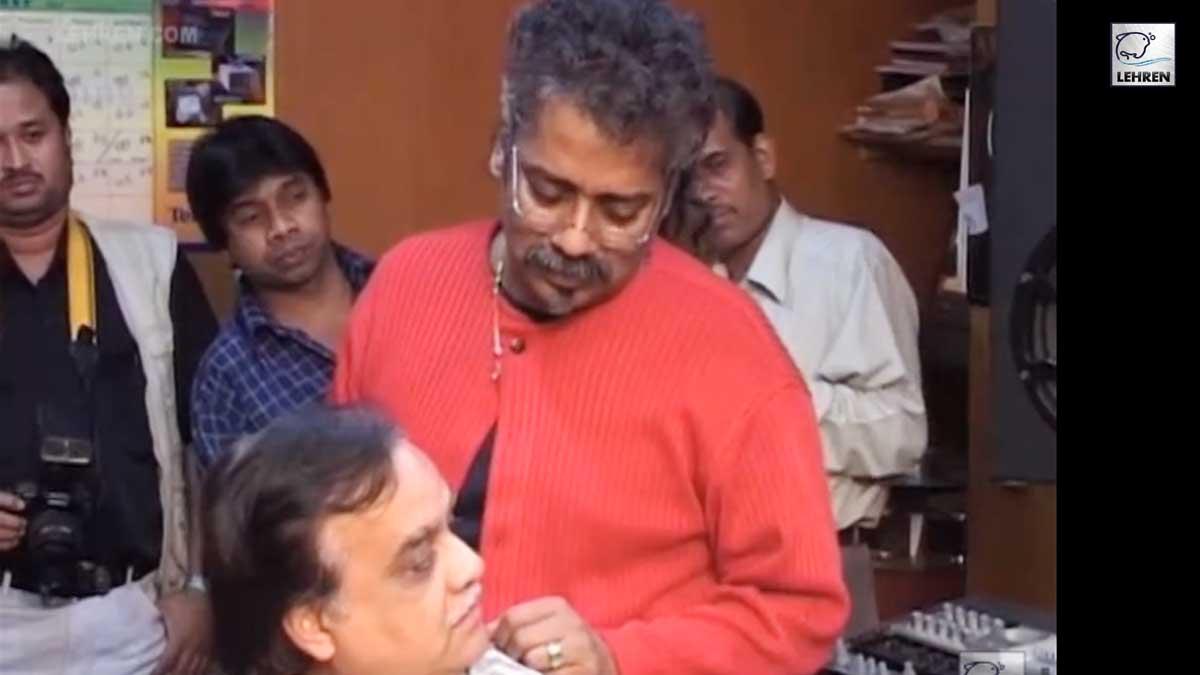 Music Composer Nausha At The Song Recording For Hindi Film Taj Mahal (2005)