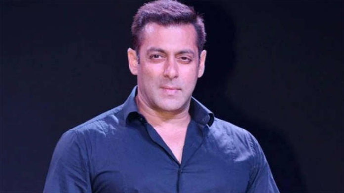 Salman Khan Provides Essential Commodities To Daily Wagers
