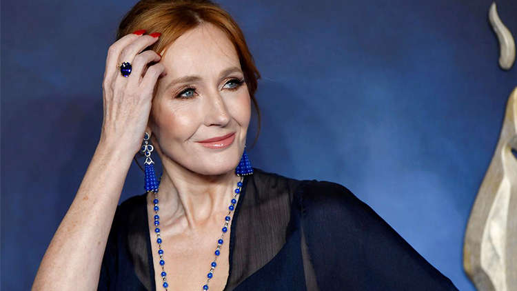 J.K Rowling Reveals That She Had All Symptoms Of COVID-19!
