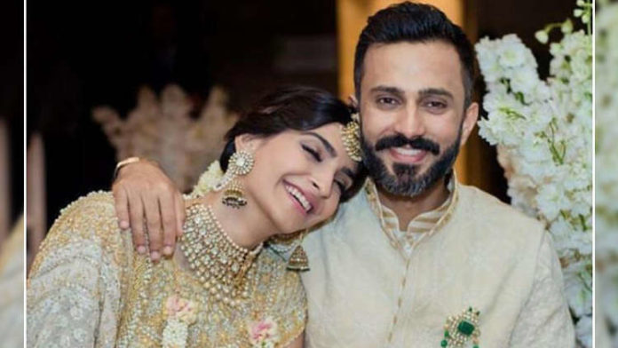 Sonam Kapoor REVEALS How She Fell In Love With Husband Anand Ahuja; Check Out