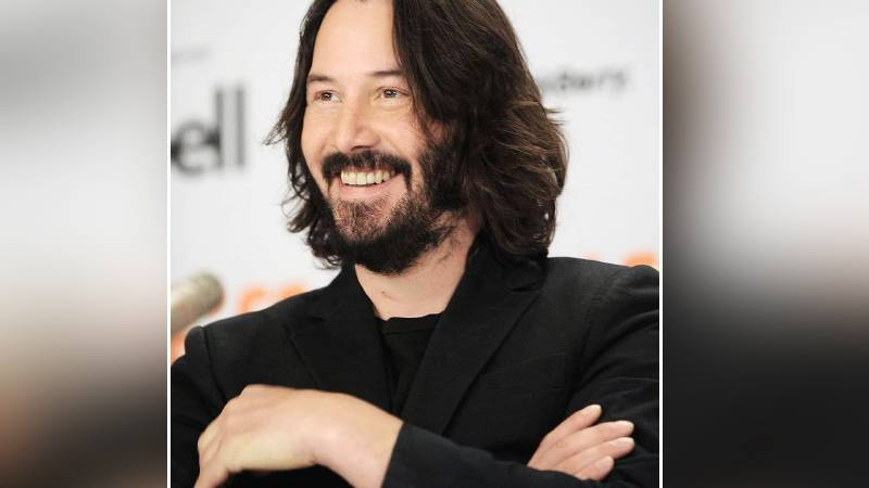 Keanu Reeves To Go On A Virtual Date For Children's Cancer Charity