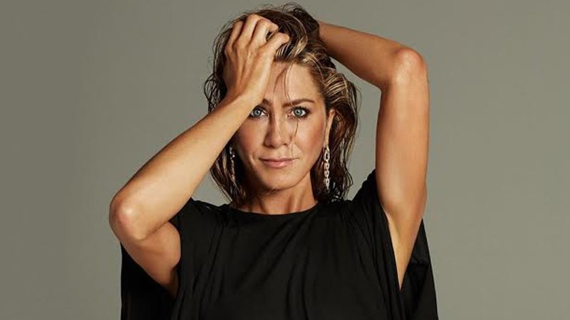 Jennifer Aniston Is Doing THIS To Keep Herself Occupied During Quarantine