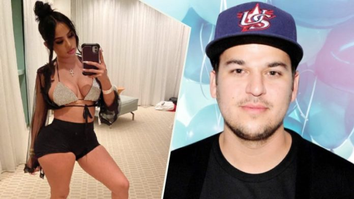 Rob Kardashian Spotted On A Dinner With THIS Instagram Sensation; Know Who Is She