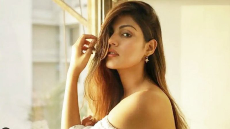 Sushant Singh Rajput Row: ED Finds No Big Suspicious Transfers To Rhea Chakraborty From The Late Actor's Account