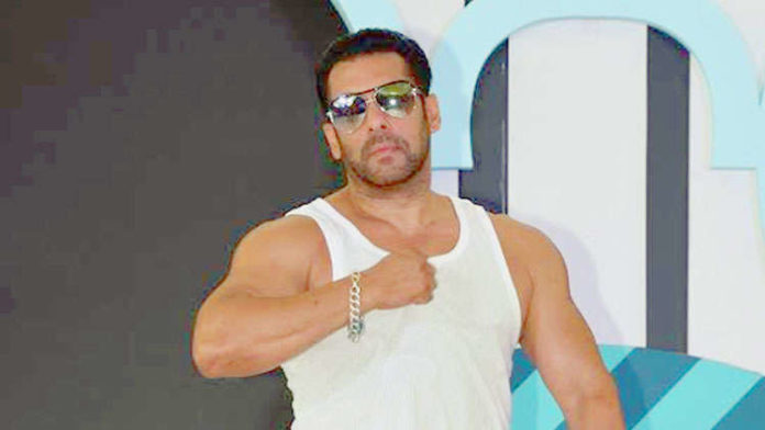 Salman Khan's former bodyguard create havoc on the streets of Moradabad