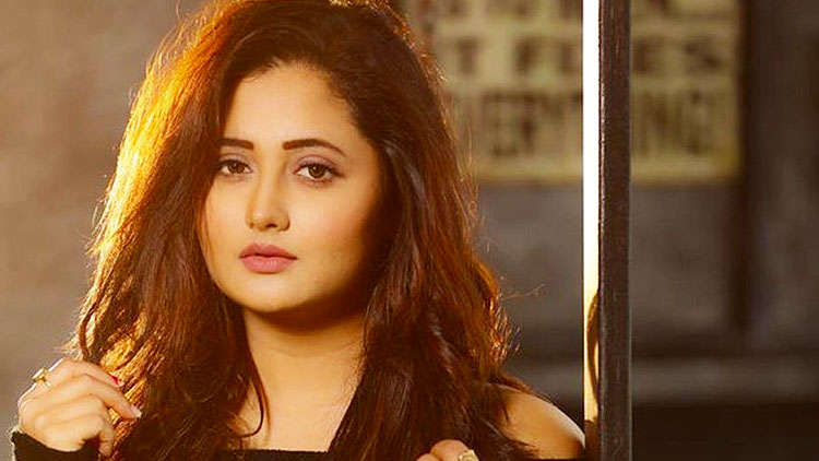 Bigg Boss 13: Rashami Desai addresses the rumours of dating Arhaan Khan