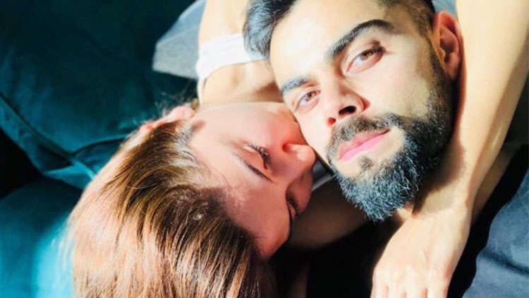 Anushka Sharma and Virat Kohli spend a lazy Sunday together!