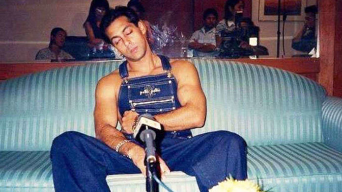 When Bollywood Celebs Slept On The Movie Sets