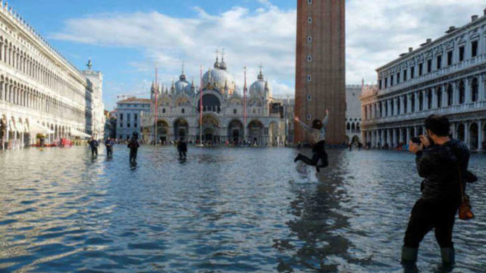 Italy declares state of emergency over Venice flooding