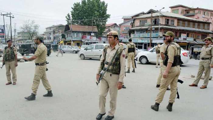 J&K: 40 policemen quarantined after sub-inspector's son tests +ve