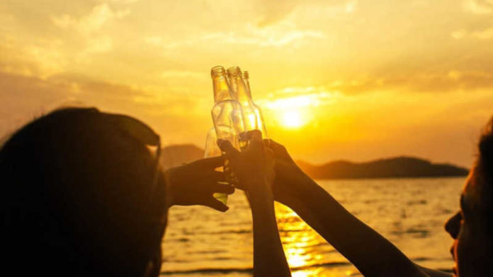 Russian teens party on Goa beach amid COVID-19 lockdown
