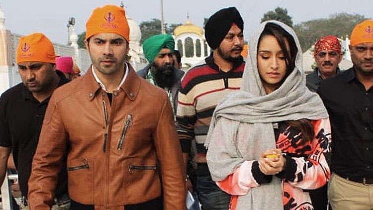 Street Dancer 3D: Co-stars Varun Dhawan and Shraddha Kapoor Spotted At Gurudwara Bangla Sahib Ahead Of Their Film's Release