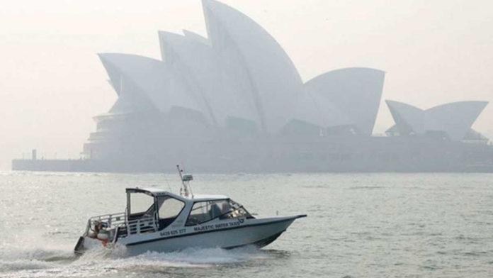 Sydney gasps for air as Australia bushfire smoke reaches record levels