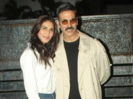 Akshay and Vaani stylishly arrive back in Mumbai wearing Bell-Bottoms!