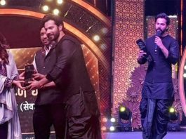 Varun Dhawan Gets Awarded For His Contribution During Lockdown