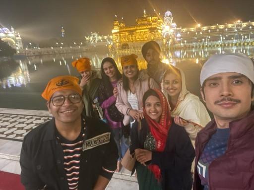 Cast Of Kyun Utthe Dil Chhod Aaye Visits Golden Temple