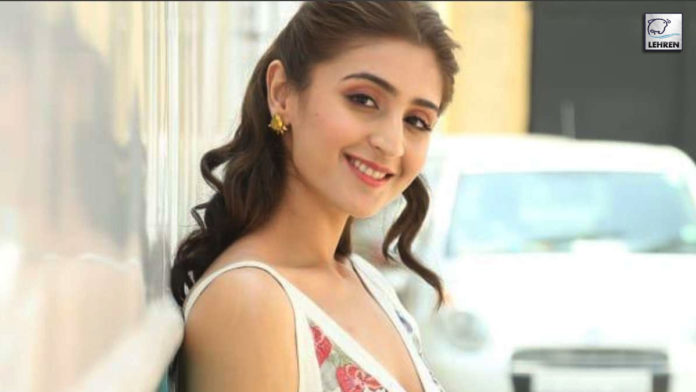 Dhvani Bhanushali Asks Fans About Their Weekend