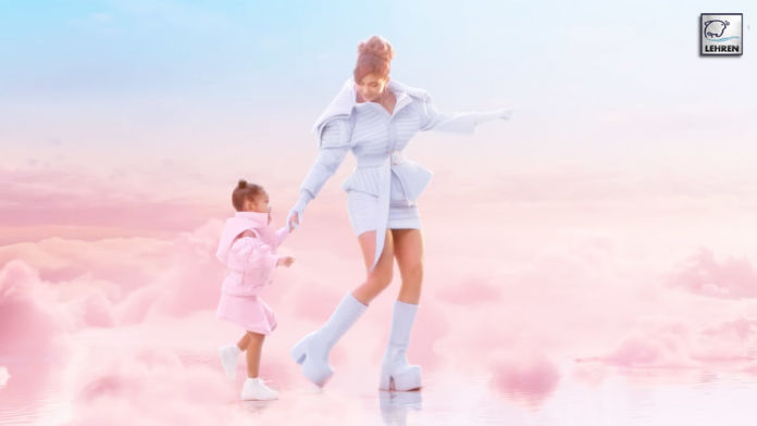 Kylie Jenner Play In The Clouds With Daughter Stormi